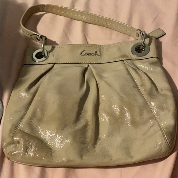 Coach purse read description before purchasing